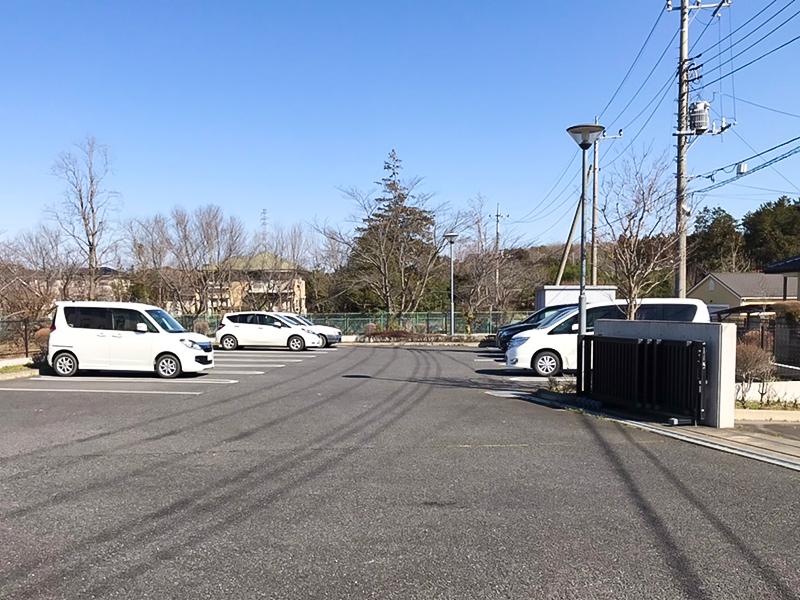 東門脇駐車場